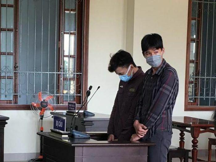 Bắt giam tại tòa 2 bị cáo tự ý xông vào nhà chém người