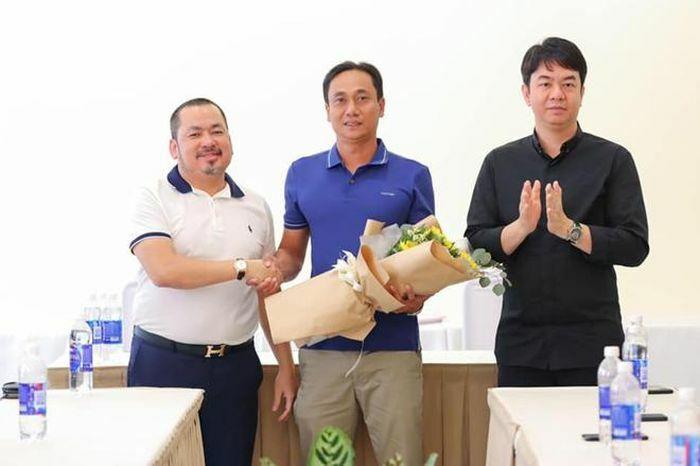 """""""Thua thảm"""" Nam Định, Sài Gòn FC thay tướng"""
