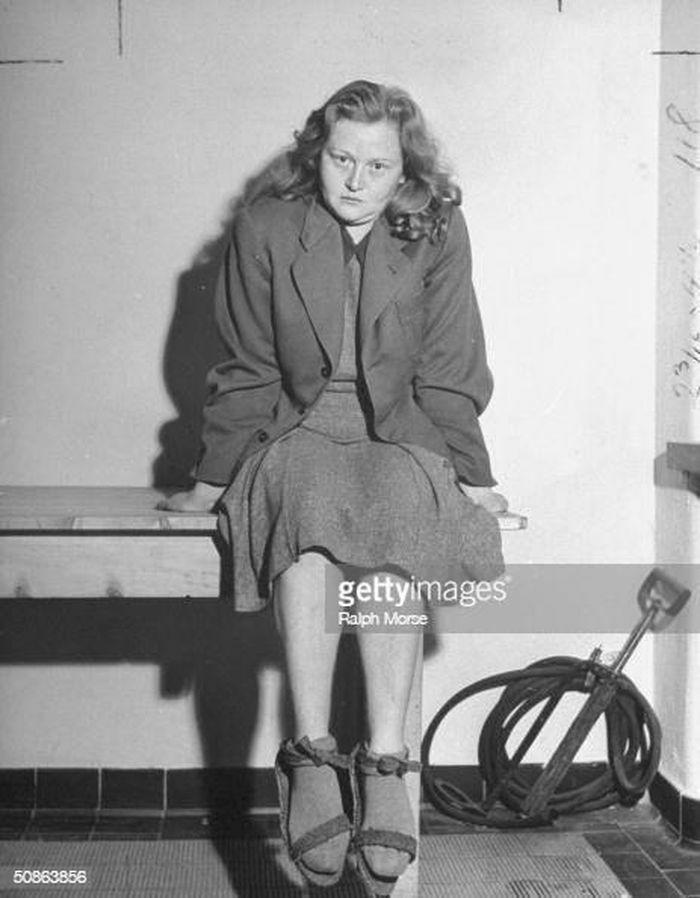 """Tội ác của nữ """"phù thủy"""" Ilse Koch làm việc cho Hitler"""
