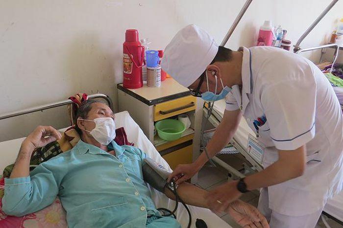 Bệnh viện Đa khoa tỉnh Khánh Hòa lần đầu thực hiện thành công phẫu thuật nội soi cắt khối tá tụy