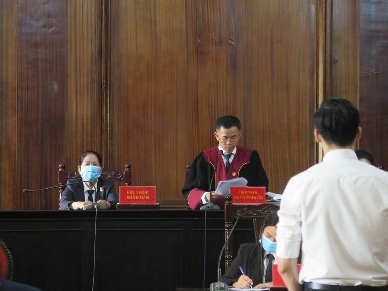 Nam tiếp viên VNA làm lây lan dịch bệnh bị tuyên 2 năm tù treo