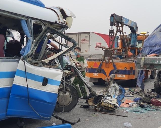 Xe khách gặp nạn khi đi lễ chùa khiến 2 người tử vong: Hé lộ nguyên nhân ban đầu