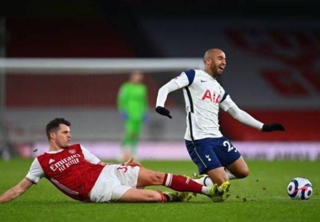 """5 điều bạn có thể bỏ lỡ trận Arsenal – Tottenham: """"Siêu quậy"""" hét vào mặt Tierney"""