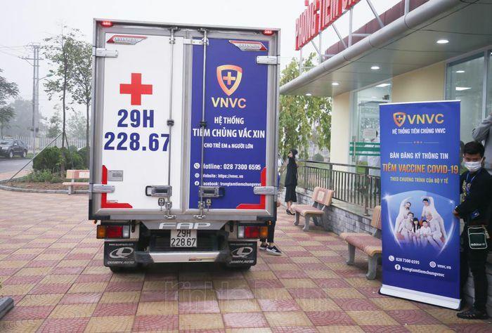 Cận cảnh những mũi tiêm vaccine phòng Covid-19 đầu tiên tại Hà Nội