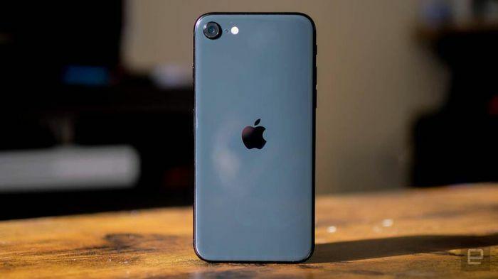 """Cuối cùng thì """"tai thỏ"""" xấu xí trên iPhone cũng sắp biến mất, iFan """"gom thóc"""" dần là vừa"""