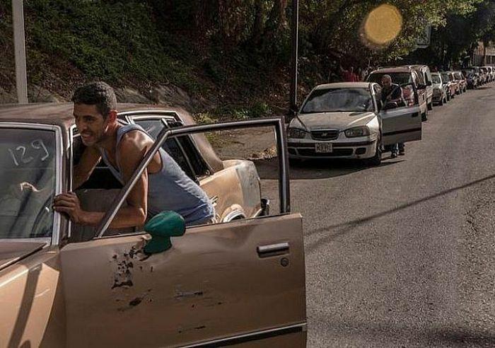 Venezuela thiếu xăng dầu trầm trọng dù sản lượng dầu thô tiếp tục tăng