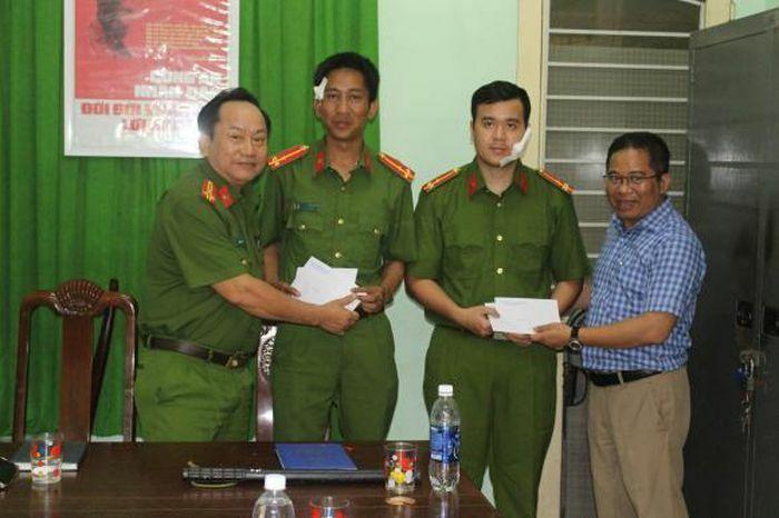 Đà Nẵng: Khống chế đối tượng dọa giết người, 2 chiến sĩ công an bị chém thương tích