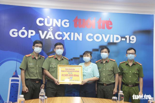 Tuổi trẻ Công an TP.HCM tham gia 'góp vắc xin COVID-19'