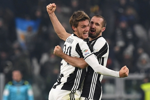 """SỐC! Sao Juventus lên kế hoạch """"đào tẩu"""" sau khi bị loại khỏi UCL"""