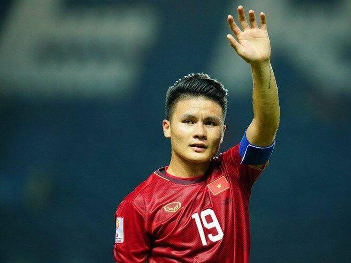 Ngôi sao số 1 bóng đá Việt Nam chưa xuất ngoại và những cơn sốt ảo