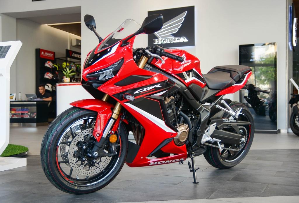 Honda CBR650R mới về đại lý, giá từ 254 triệu đồng