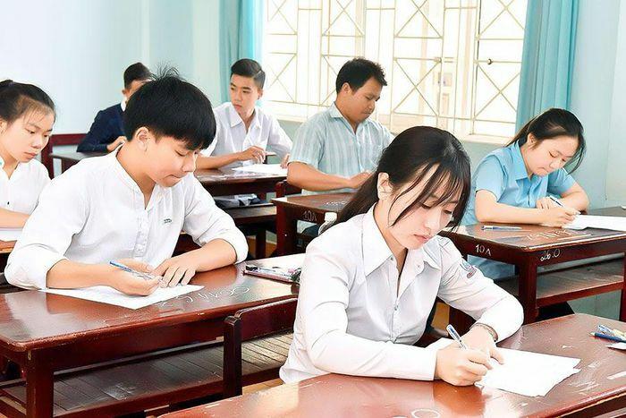 Hòa Bình: Yêu cầu các trường tổ chức ít nhất 2 lần thi thử tốt nghiệp THPT 2021
