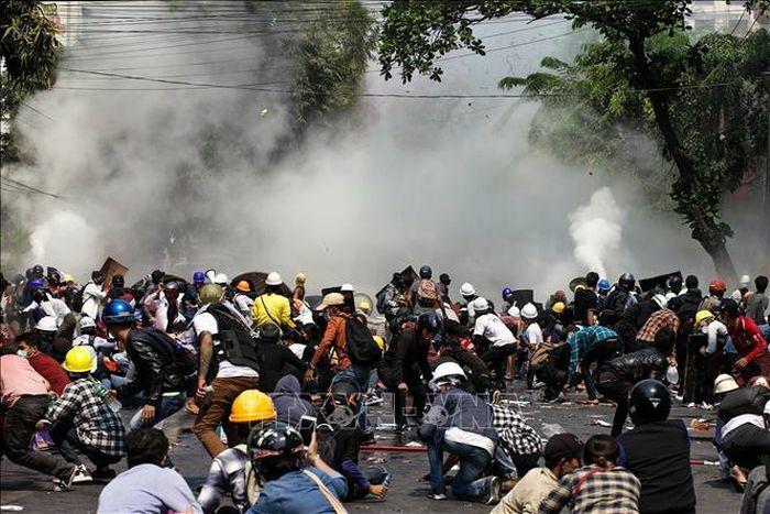 Trung Quốc kêu gọi Myanmar bảo vệ các doanh nghiệp, công dân Trung Quốc