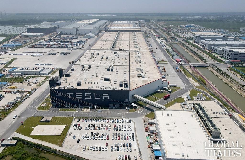 Xe Tesla bị cấm vào các khu quân sự Trung Quốc