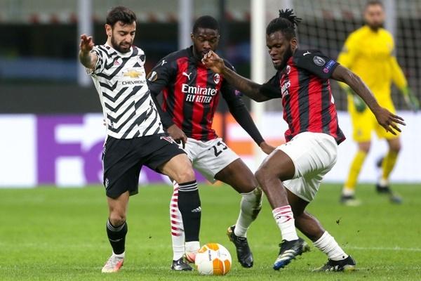 """Thắng nhọc, CĐV Man Utd muốn đem Matic đổi lấy """"máy quét"""" của AC Milan"""