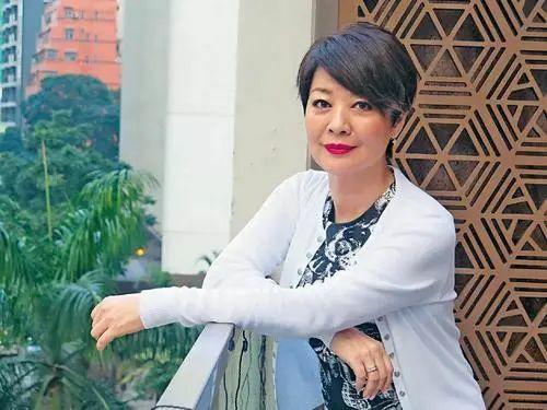 Sao TVB 2 lần ung thư, 2 lần ly hôn đến mức tự 'bẻ cong' giới tính
