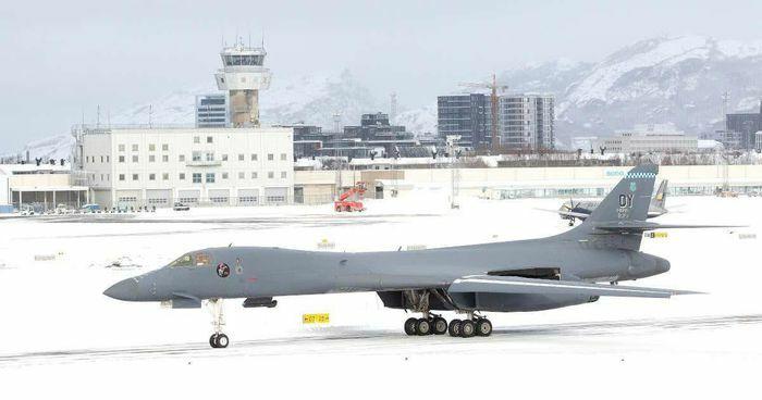 Vì sao Nga không lo lắng khi máy bay ném bom Mỹ xuất hiện tại Bắc Cực?