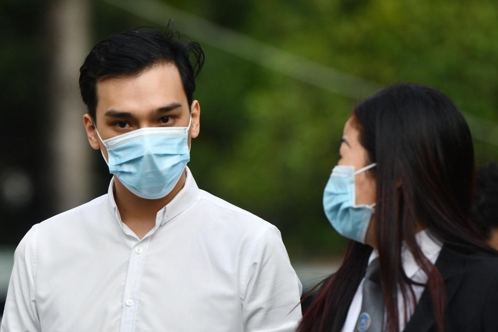 Tiếp viên Vietnam Airlines lĩnh 2 năm tù treo