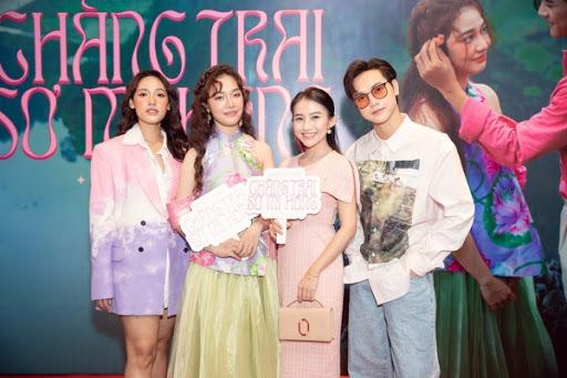 Cara và JSol đến ủng hộ Hoàng Duyên debut với MV đậm màu Việt Nam