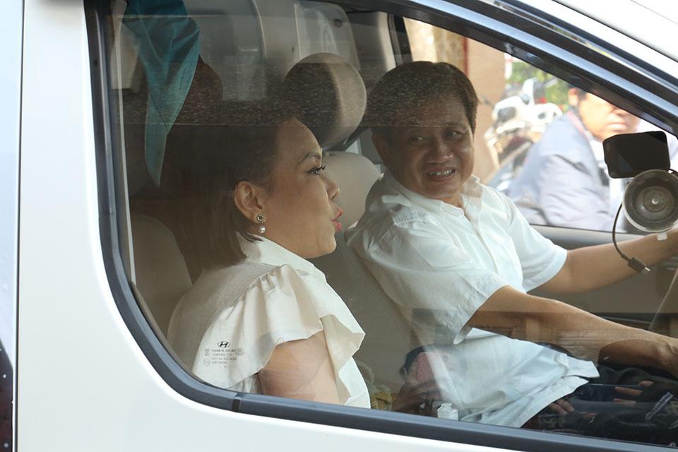 Lý do Việt Hương quyết định tặng xe 1,7 tỷ đồng cho ông Đoàn Ngọc Hải?