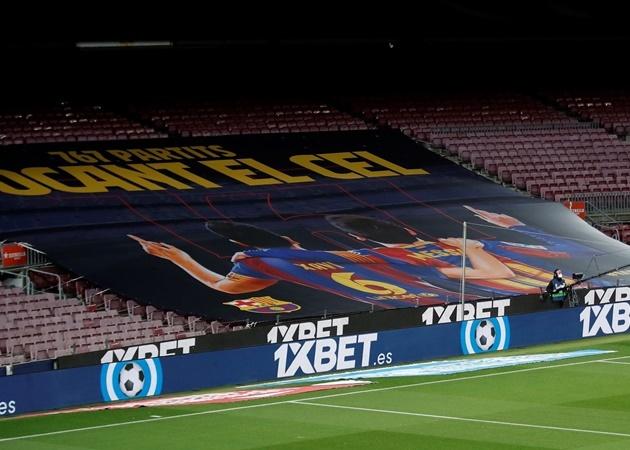 """10 con số đặc biệt trận Barca 4-1 Huesca: """"Vị thánh"""" Lionel Messi"""