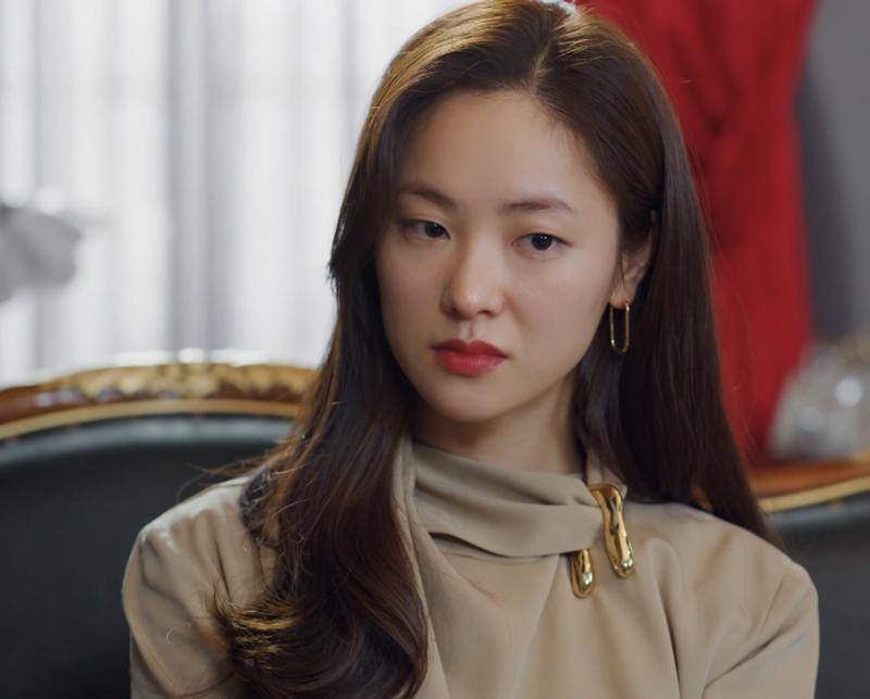 Diễn xuất biến hóa của mỹ nhân đóng chung với Song Joong Ki trong 'Vincenzo'
