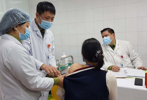 Ngày 8/3 sẽ tiêm những mũi vắc-xin COVID-19 đầu tiên