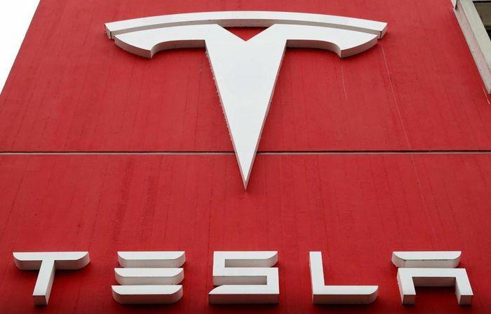 Tesla muốn đầu tư xây hệ thống lưu trữ năng lượng lớn tại Indonesia