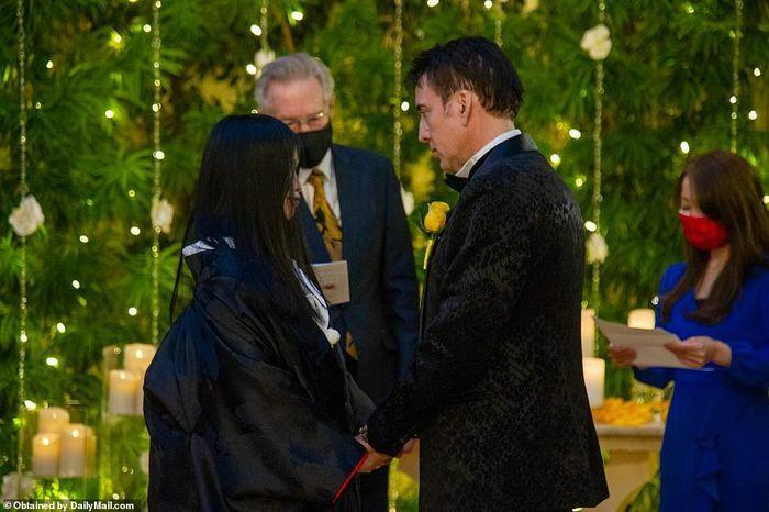 """Tài tử """"Ma tốc độ"""" Nicolas Cage cưới vợ lần 5"""
