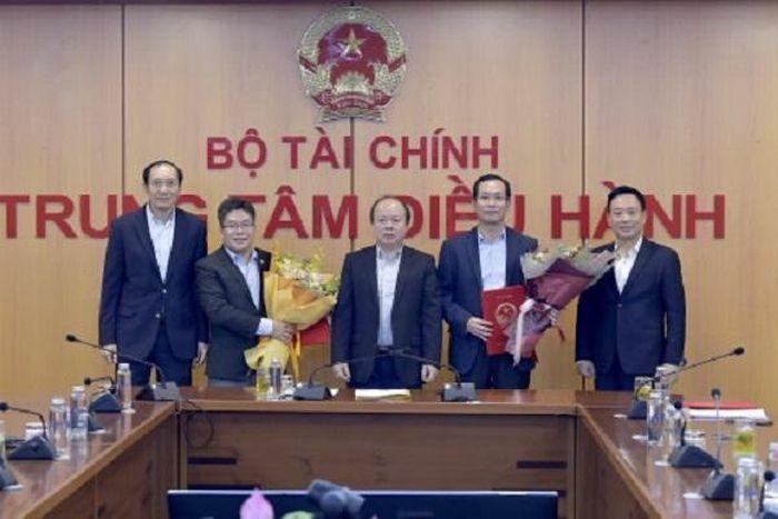 Sớm đưa Sở Giao dịch Chứng khoán Việt Nam vào hoạt động