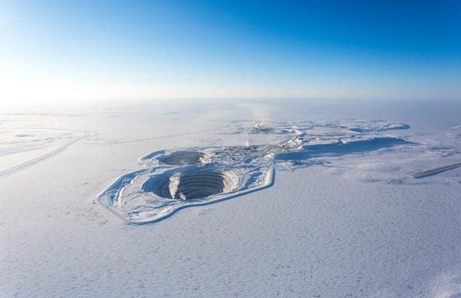 """Nóng lên toàn cầu khiến Bắc Cực khốn đốn nhưng Trung Quốc lại thấy """"béo bở"""": Vươn vòi tạo thêm 1 con đường tơ lụa"""