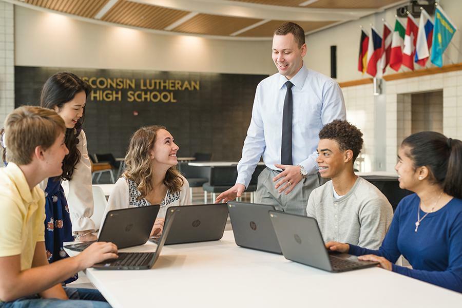 Cơ hội học bổng hấp dẫn đến từ trường trung học Wisconsin Lutheran- Hoa Kỳ