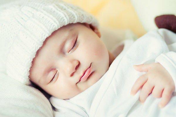 Trẻ sơ sinh ngủ nhiều có đáng lo?