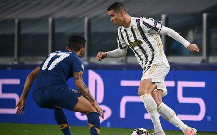 """Juventus vị Porto """"đá văng"""" khỏi vòng 1/8 Champions League"""