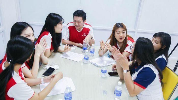 Thí điểm dạy tiếng Hàn, tiếng Đức là ngoại ngữ 1: Bộ GD&ĐT khẳng định không bắt buộc