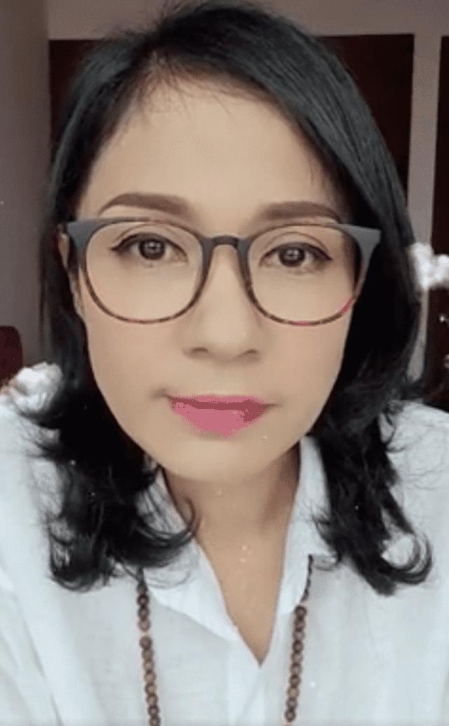Diễn viên Việt Trinh bức xúc khi bị mỉa mai bán hàng từ thiện để câu view