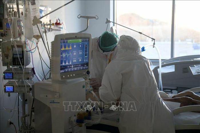 Thổ Nhĩ Kỳ thêm trên 37.300 ca mắc COVID-19 trong 24 giờ qua
