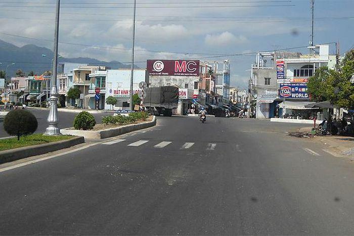 Công an tỉnh: Kiểm tra công tác bảo đảm an toàn giao thông tại Vạn Ninh