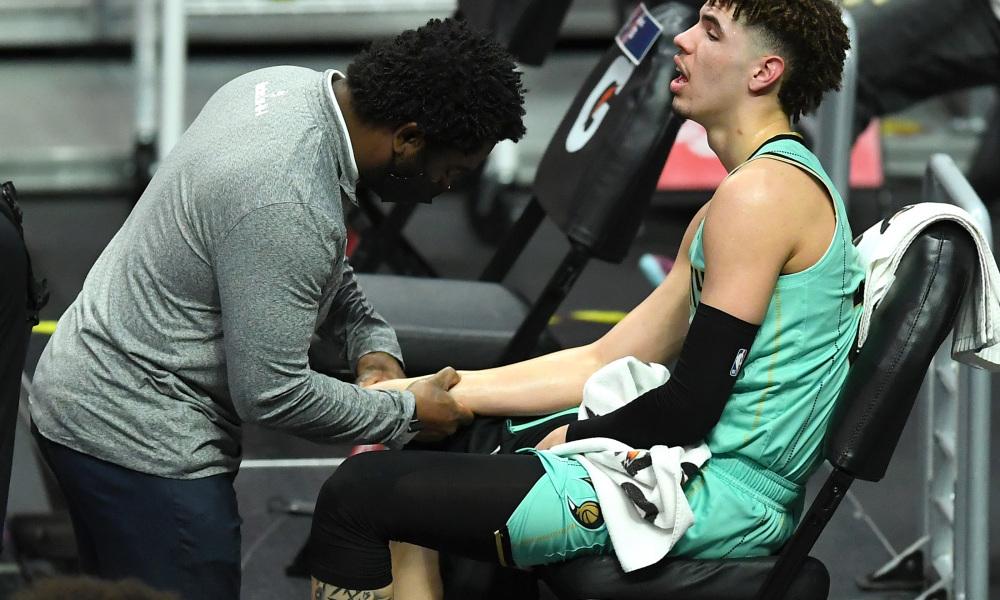 Lịch thi đấu NBA 23/3: Nỗi buồn của Hornets, Bucks quyết tâm bám đuổi