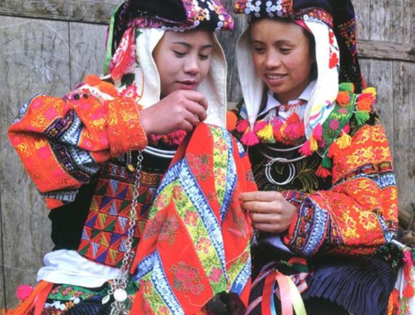 Phong tục bắt vợ, bắt chồng, ăn trộm lấy may và những điều độc đáo chỉ có ở các dân tộc Việt Nam