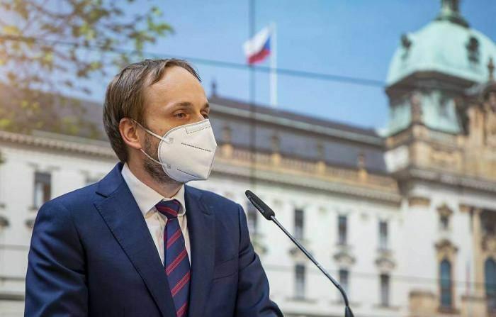 Nói là làm, Séc chính thức trục xuất 63 nhà ngoại giao Nga
