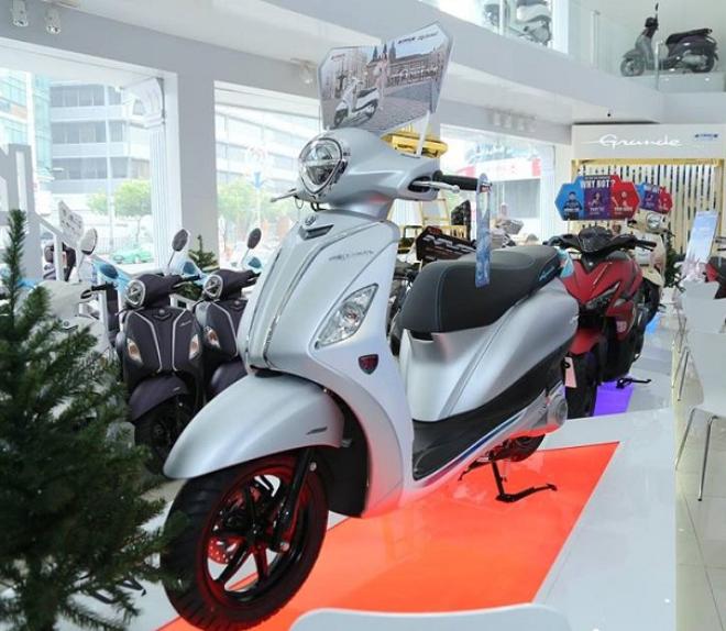 Giá xe ga tiết kiệm xăng nhất Yamaha Grande tháng 4/2021