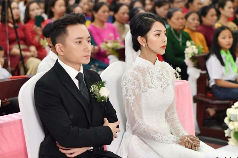 """Vợ Phan Mạnh Quỳnh """"lười"""" tập vẫn có thân hình nóng bỏng nhờ ăn đúng cách"""