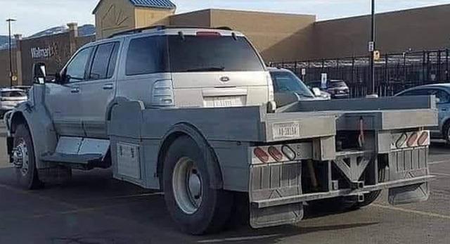 Ford Explorer độ bán tải không thể… thiếu thuyết phục hơn