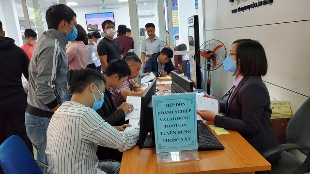 Phiên GDVL tháng 4: Gần 440 việc làm có mức lương trên 15 triệu đồng/tháng