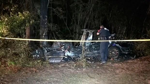 """Tai nạn ô tô Tesla """"không có người lái"""" làm 2 người chết tại Mỹ"""