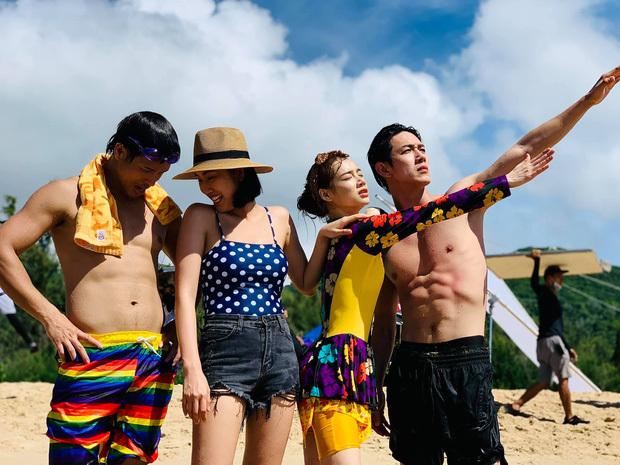 Trương Thế Vinh – Thúy Ngân tạo dáng thân mật, fan lại được dịp đẩy thuyền cho Running Man Việt