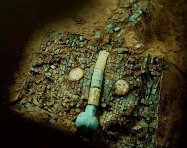 Siêu cấp bảo vật quốc gia màu ngọc lam 3700 tuổi tiết lộ bí ẩn người xưa thực sự có nuôi rồng
