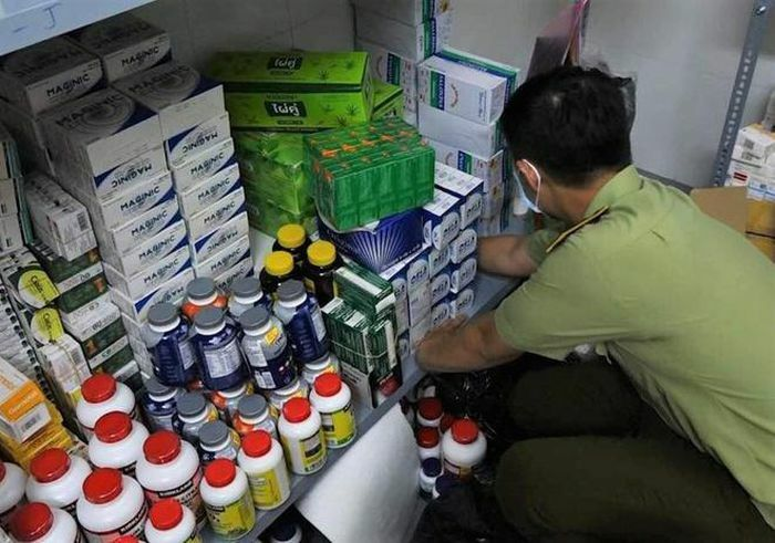 Tp.HCM: Thu giữ hàng nghìn hộp thuốc tân dược nghi nhập lậu