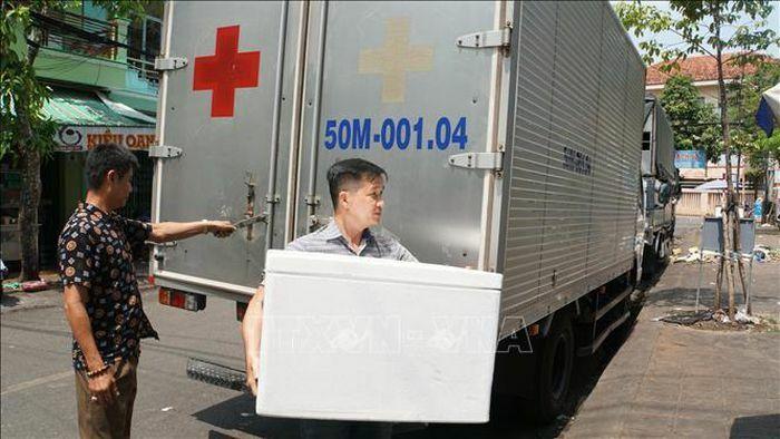 Cần Thơ và Tuyên Quang tiếp nhận vaccine phòng COVID-19